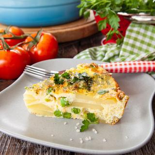 Leckere Frittata mit Erbsen und Kartoffeln