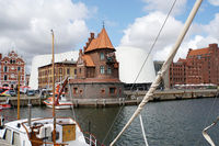 Pilot house at the harbor, behind Ozeaneum and stacking houses