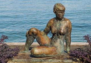 Bronzeskulptur am Bodenseeufer in Romanshorn
