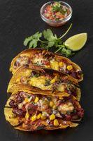 Gegrillte Tacos auf Schiefer