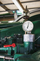 Tachometer with oil pot vertical