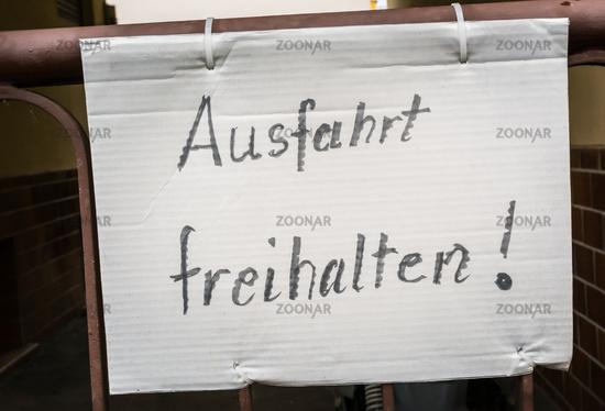 Ausfahrt Freihalten German Hand Written Notice Sign Paper Gate Fastened Traffic Driveway Entrance