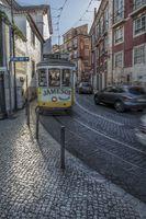 Lissabon 16 - Largo Portas do Sol (neue Groesse).jpg