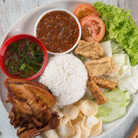Nasi lemak kukus with fried chicken