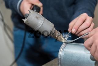 Durch Loeten Metallteile verbinden - Nahaufnahme