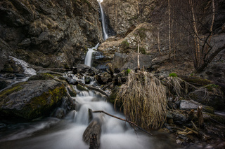 river floating through caucasus landscape