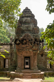 Entrance to Ta Som with stone portico