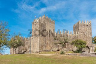 Die Burg von Guimarães. Die Stadt gilt als Wiege der portugiesischen Nation