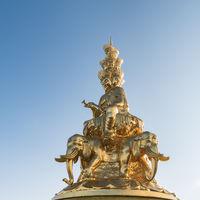 mount emei golden buddha closeup