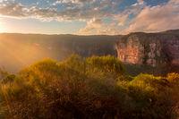 Sunbeams on Blue Mountains escarpment cliffs