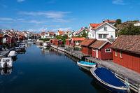 Blick auf den Ort Grundsund in Schweden