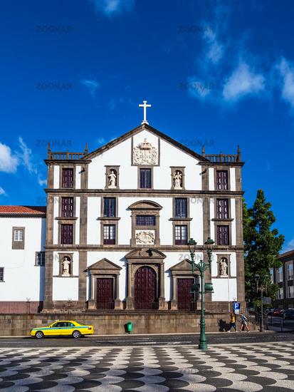 Blick auf ein Gebäude in Funchal auf der Insel Madeira, Portugal