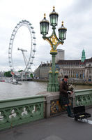 Bagpiper - London