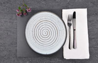Oregano und Gedeck auf Schiefer  - Oregano and table setting on slate