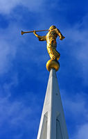 Statue of the angel Moroni in San Diego.