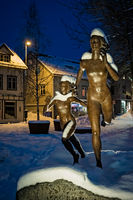 Running women statue in Tromso Skippergata