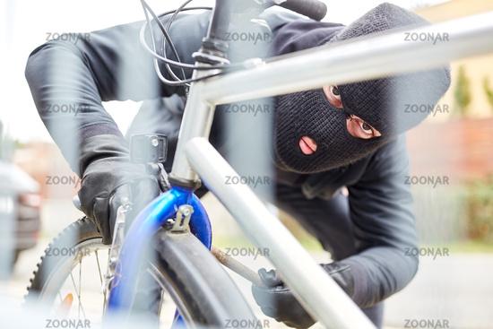 Fahrraddieb beim Fahrrad klauen