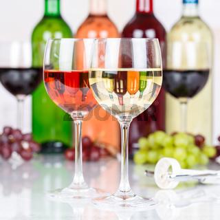 Wein Weißwein Weisswein im Glas Weintrauben Trauben Quadrat