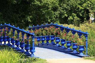Blaue Brücke in Fuerst Pueckler Park, Deutschland, Europa