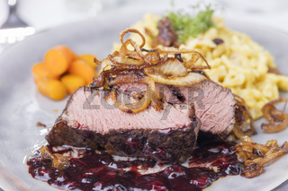 Zwiebelrostbraten, ein deutsches Steak mit Zwiebeln