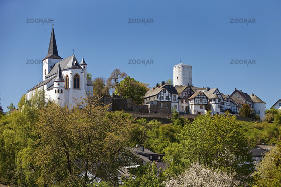 Townscape with parish church of St. Michael, Reifferscheid, Hocheifel, Eifel, Germany, Europe