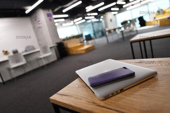 office modern symph scc060.JPG