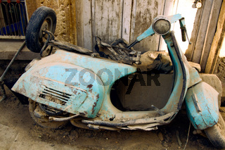 Old dirty scooter