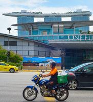 Singapore Marina Bay road traffic