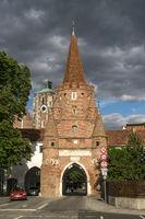 cross gate