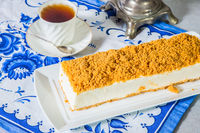 Cheesecake with sweet orange crumbs