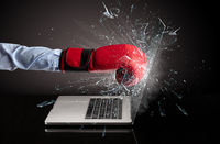 Hand boxing laptops screen
