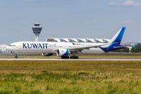 Kuwait Airways Boeing 777-300ER airplane Munich airport