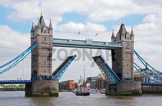 'Tower Bridge' - London