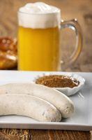 bayerische Weißwurst auf dem Teller