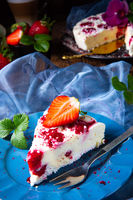 beautiful and tasty cheesecake without baking with strawberries