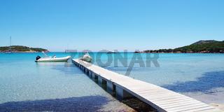 Bootssteg am Strand von Rondinara - Korsika