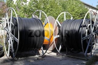 Kabelrollen mit Breitbandkabel