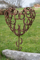 Horseshoe heart as garden decoration - 3-D metal heart
