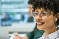 Junge afrikanische Frau als Business Trainee