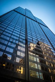 A huge skyscraper building in Chicago, Illinois
