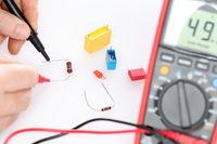 measuring an electrical resistor