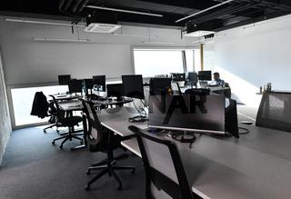 office modern symph scc088.JPG