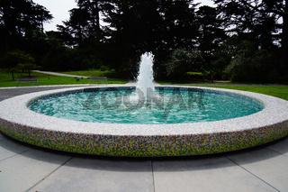 water fountain in botanical garden san francisco
