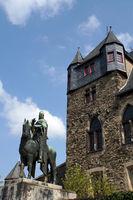 Equestrian statue Count Engelbert II. in front of Castle Burg