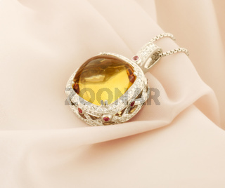 White Gold Pendant With Citrine And Diamonds
