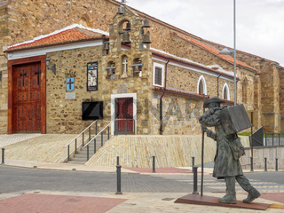 Statue of a pilgrim on the Camino - Astorga