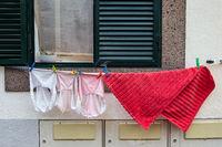 Wäsche auf der Leine in Funchal auf der Insel Madeira, Portugal