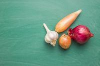 The golden shallot onion and garlic. Fresh bulbs.