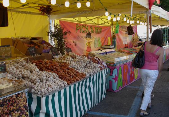 Market day on Lake Maggiore