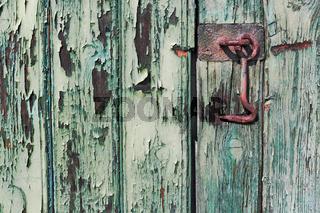 Holztür mit Haken